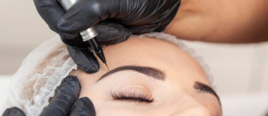 tatouer les sourcils